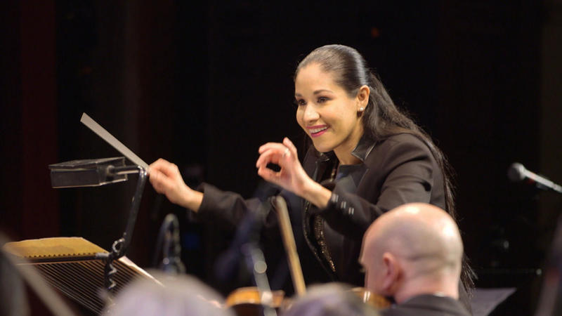 Paula Madrigal Conductor